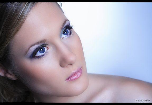blue eyes look