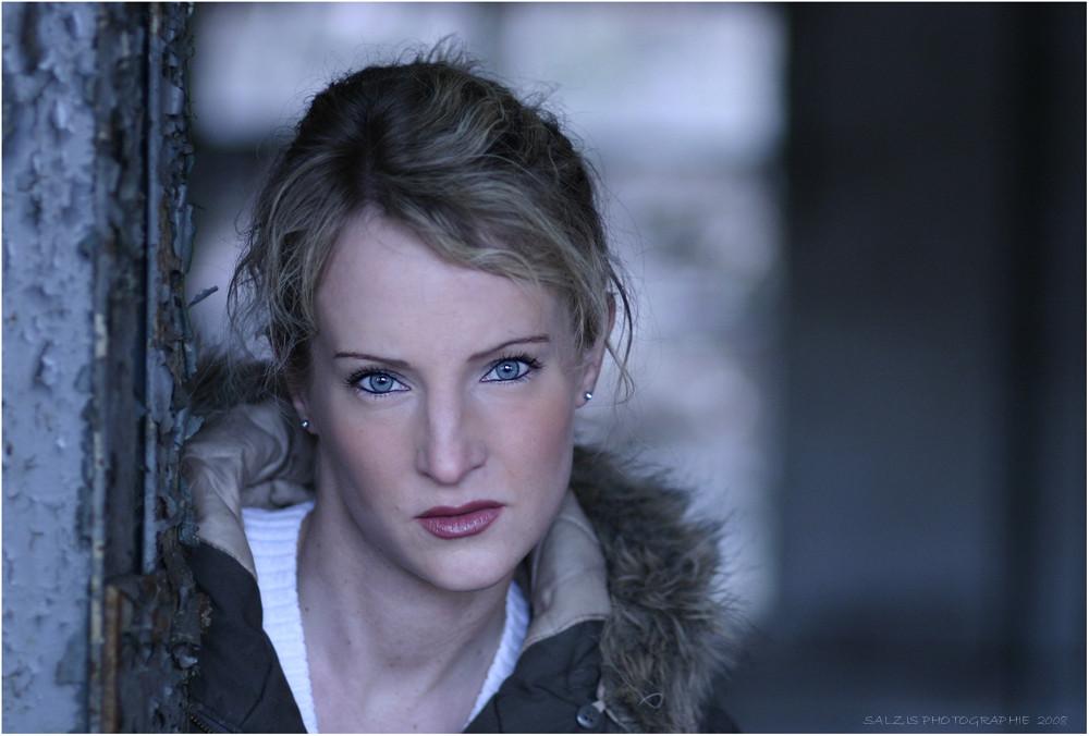 blue eyes only