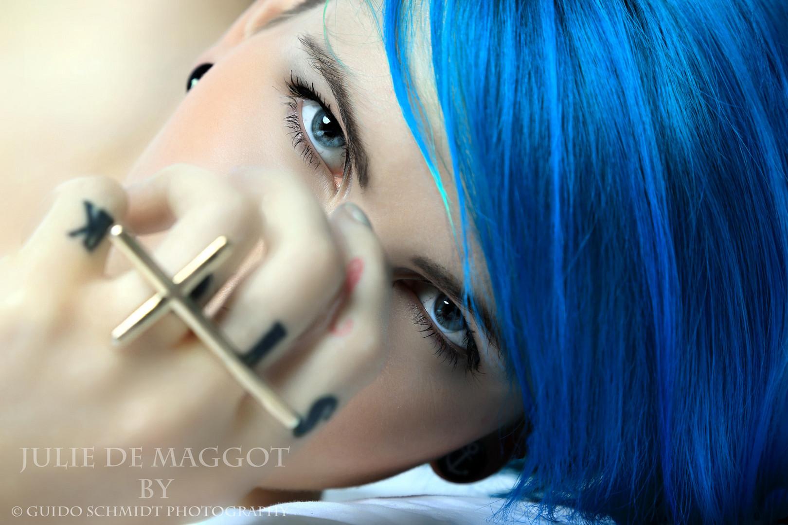 blue head...