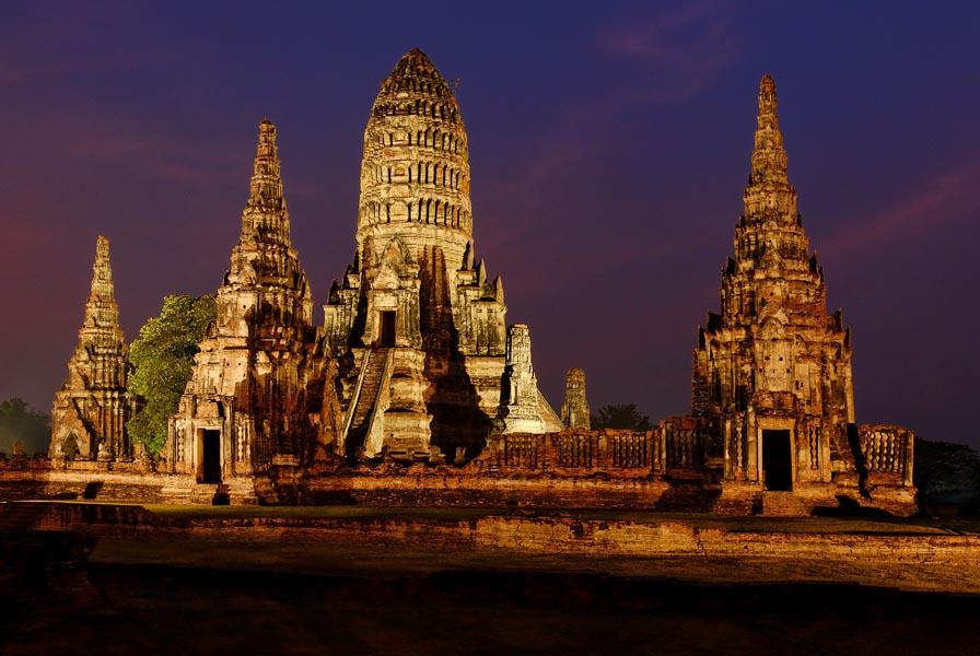 Blue hour am Wat Chai Wattanaram