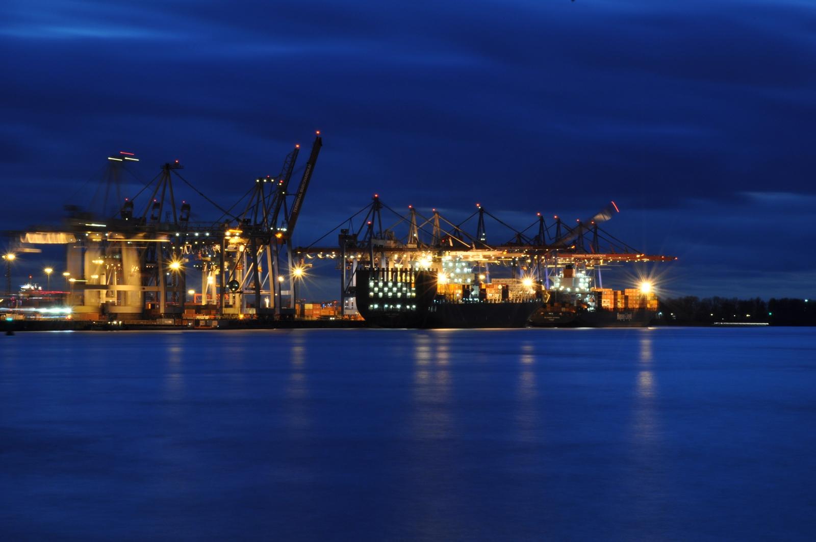 Blue Hour @ Dockland