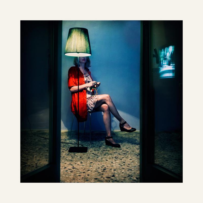 . blue room .