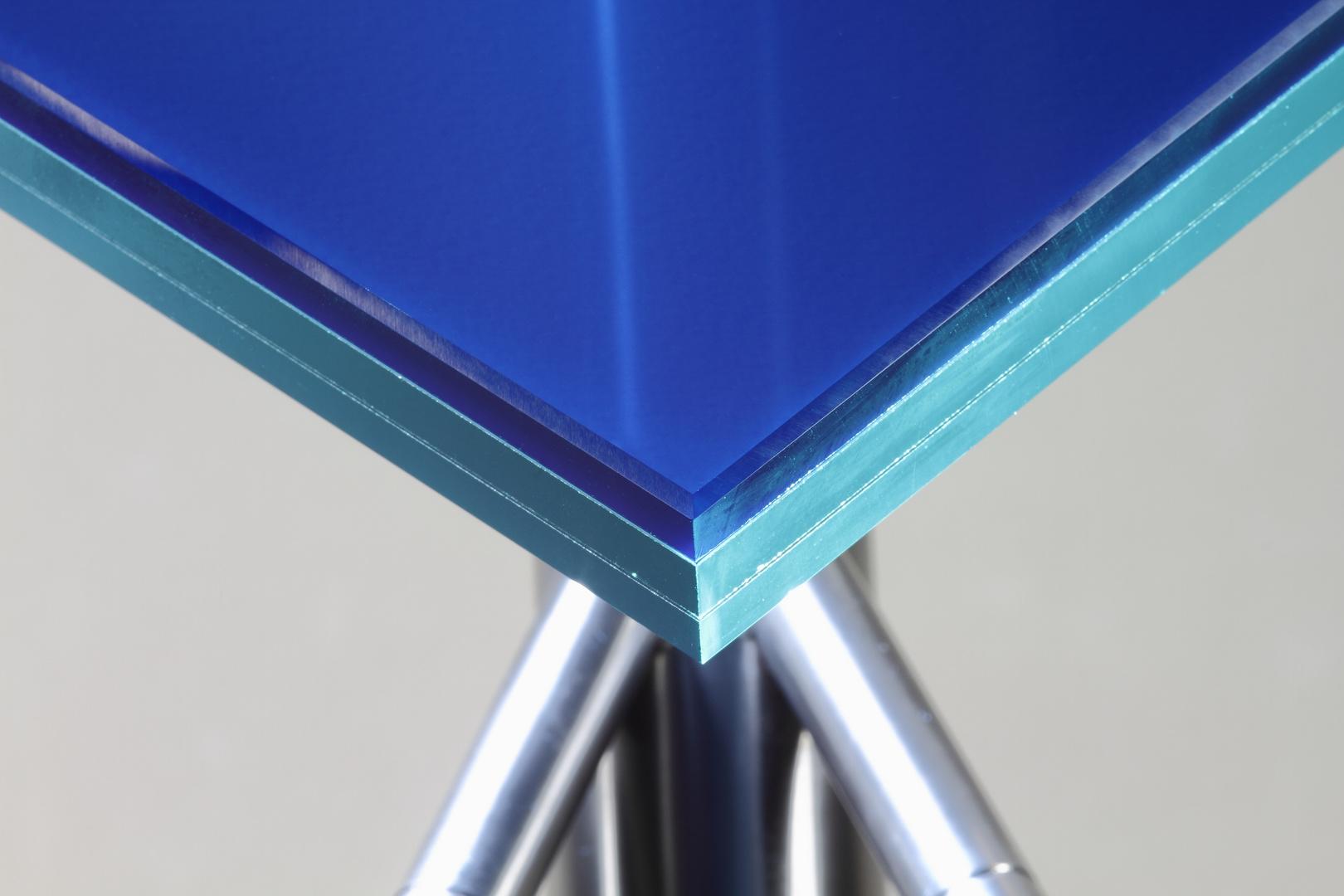blue vs. inox