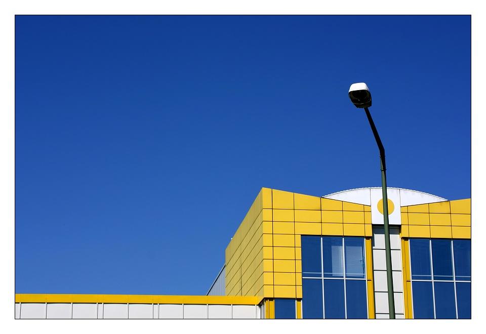 [ blue + white + yellow ]