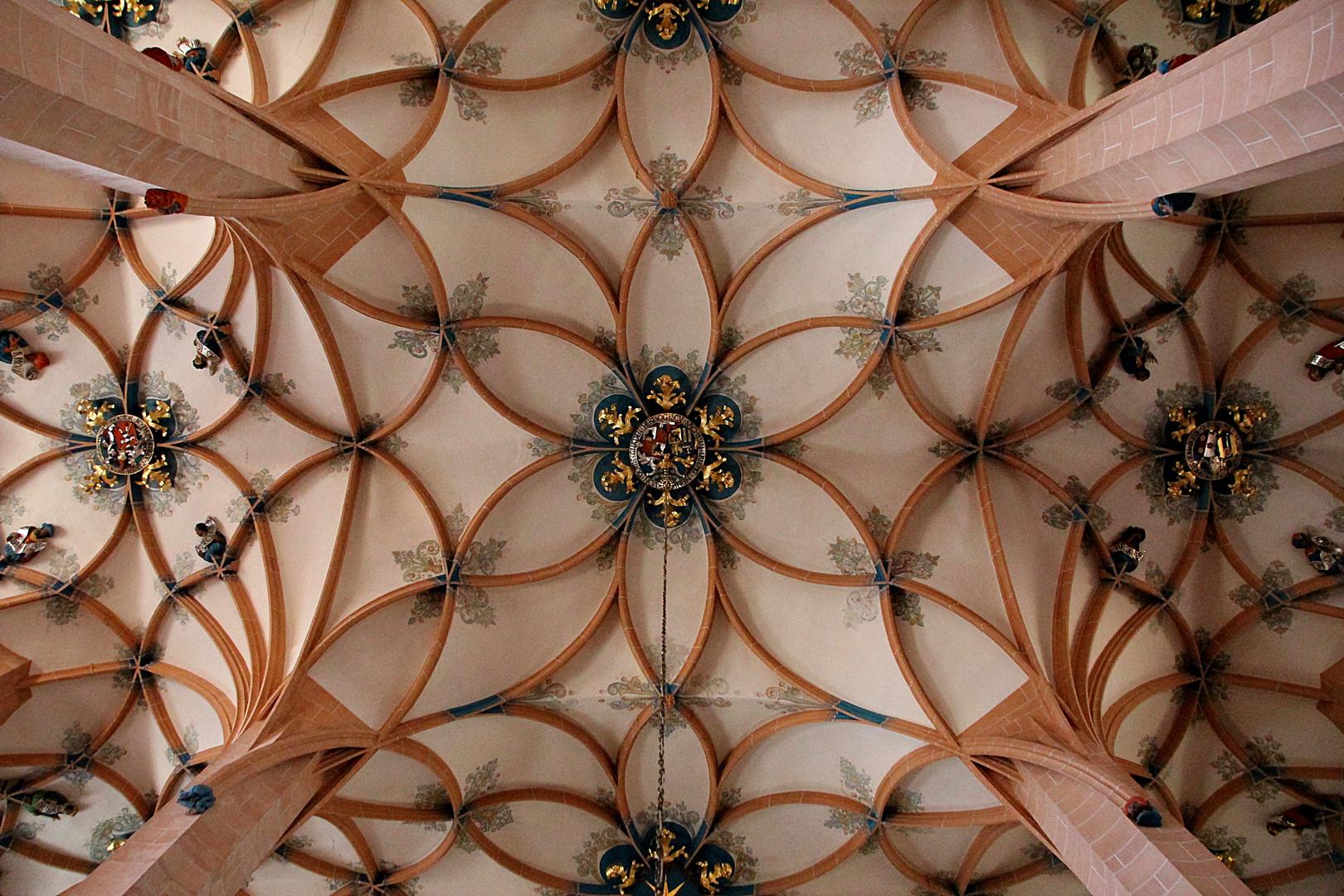 Blütenbaldachine im Gewölbe der Annenkirche in Annaberg- Buchholz