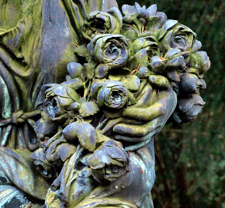 Blumen in Stein