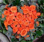 Blumengruss mit Herzchen