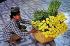 Blumenverkäuferin, Mahamuni Pagode, Mandalay