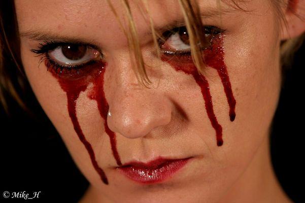 blutige Tränen 1