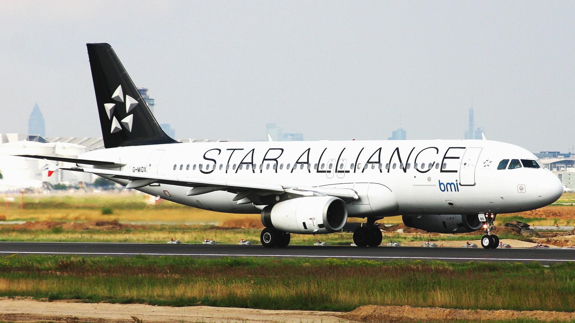 BMI Airbus A 320 (Star Alliance)