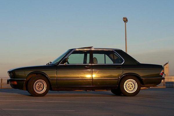 BMW 535i E28 Ein Traum in Malachitgruen met.