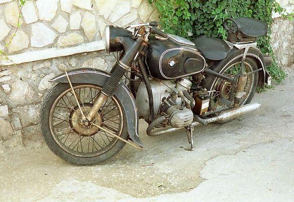 BMW auf der Insel Korfu
