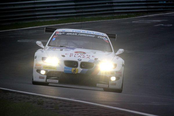 BMW auf der Jagd. 24h 2011 Samstag - Nieselregen