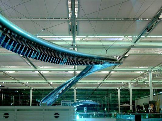 BMW Kunst im Flughafen FJS München