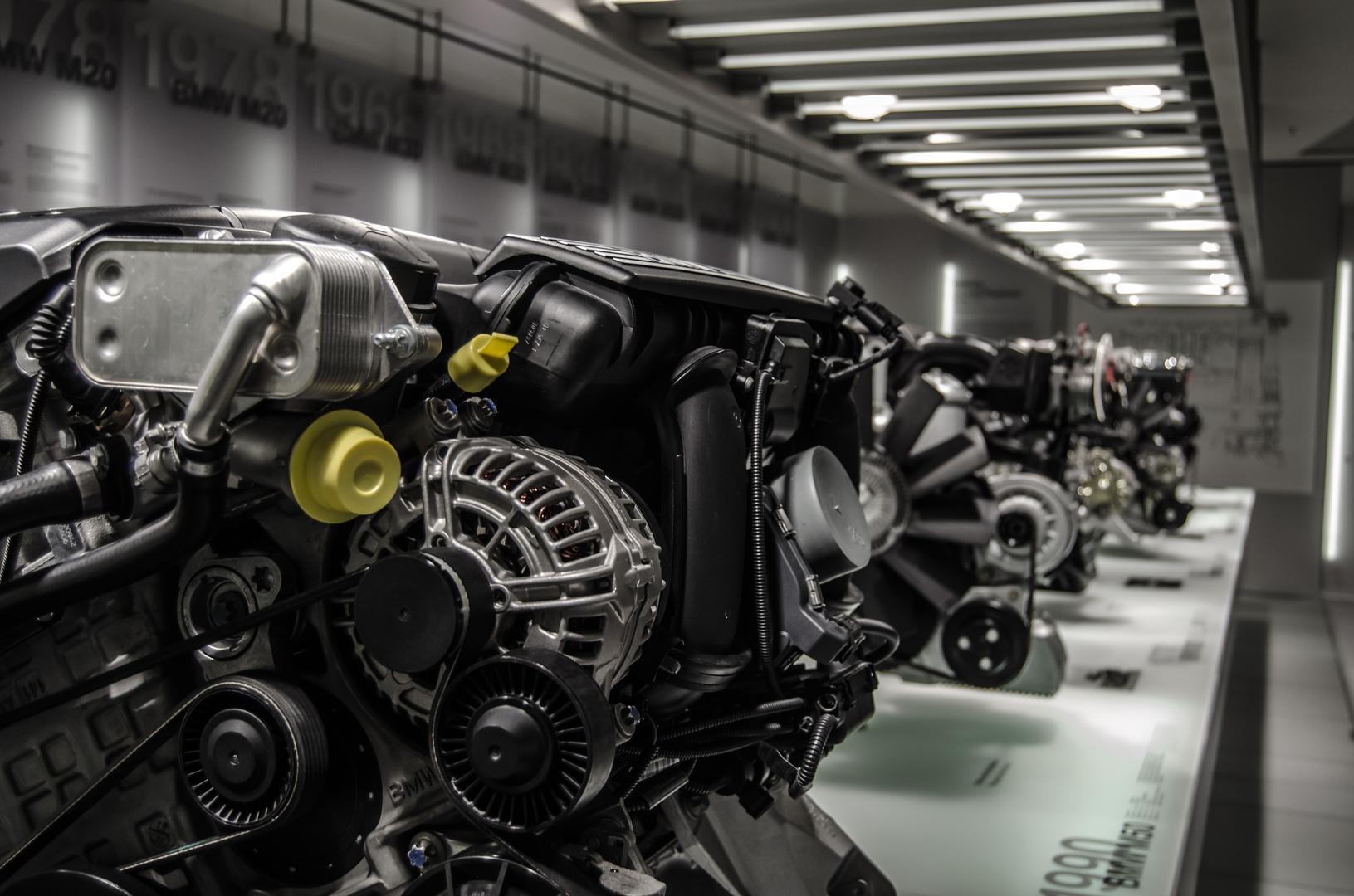 BMW Motoren der Zeitgeschichte