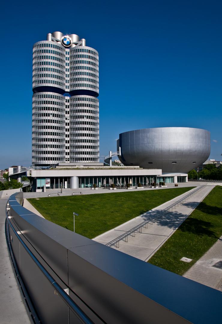 BMW Tower und Museum
