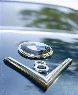 BMW V8 Typen Schild