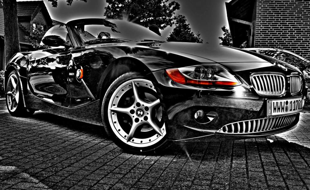 BMW Z4 in HDR + Keycolor