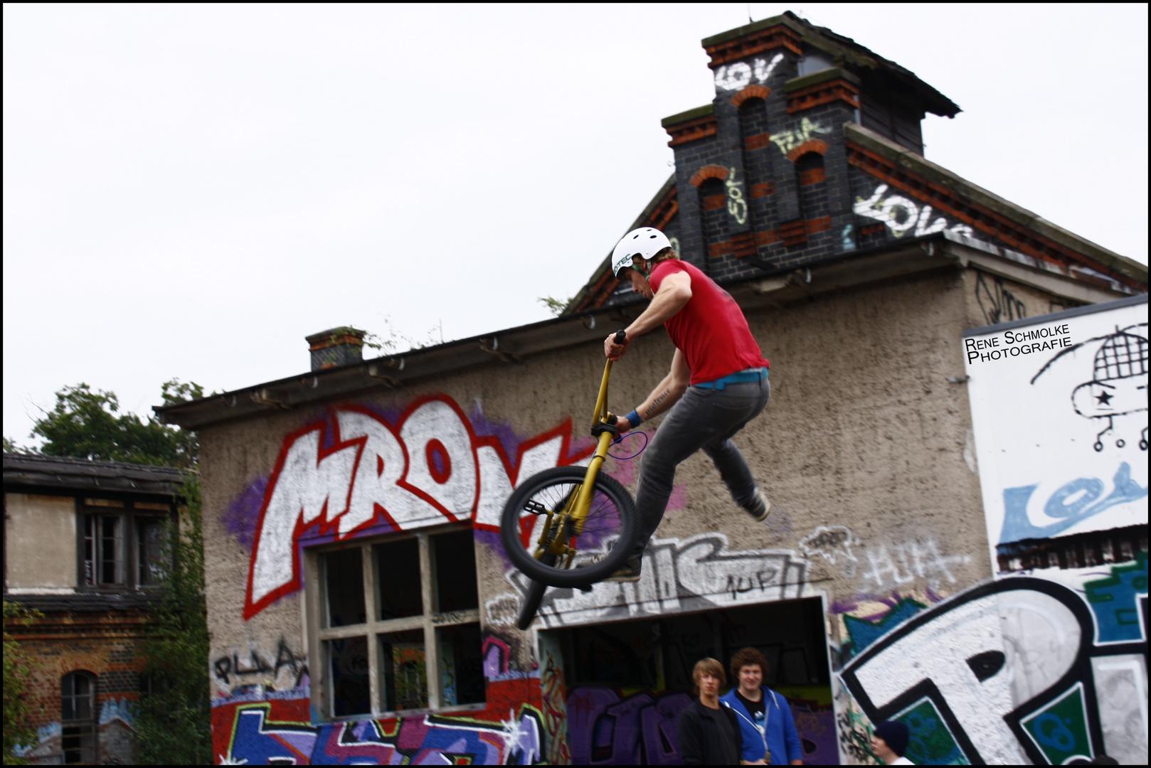 BMX´er zeigt sein Können beim diesjährigen Fokus Festival in Görlitz