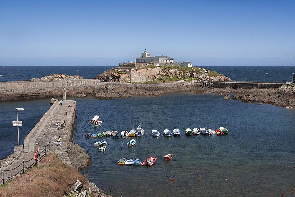 Bocana del puerto de Tapia de casariego-Asturias