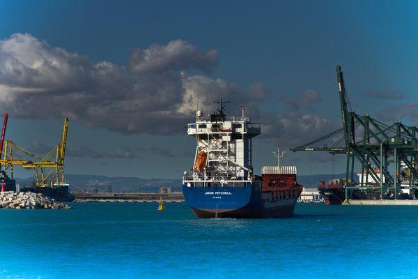 Bocana del puerto de Valencia.