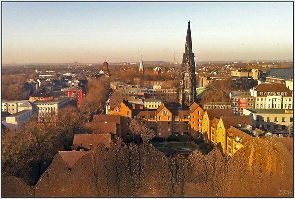 Bochum hinter kaltem Fenster