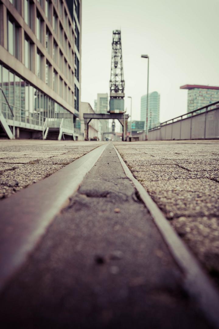 Bodennahe Perspektive neuer Hafen Düsseldorf