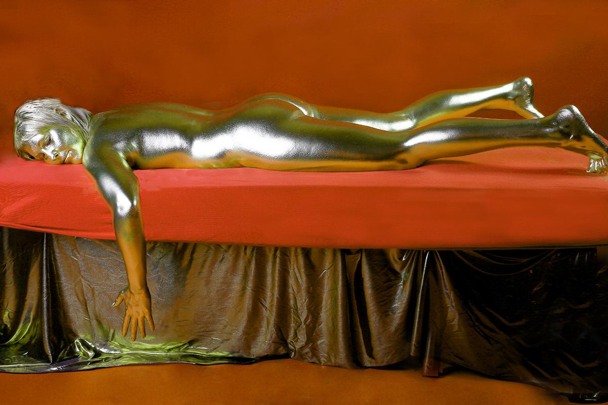 Body Painting - Nachstellung aus Goldfinger von James Bond