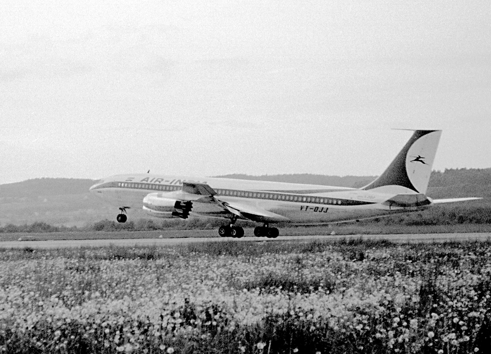 Boeing 707, 1960 in Kloten
