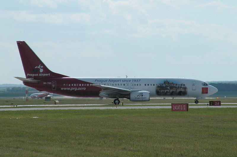 Boeing 737-86N OK-TVD