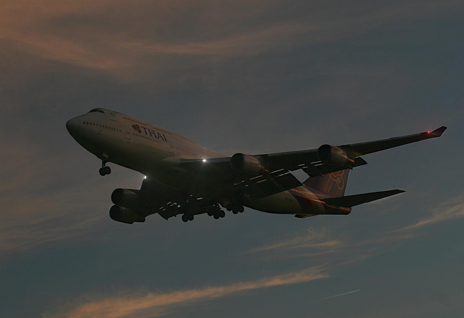 Boeing 747-4D7 Thai