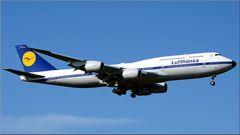 Boeing 747-8 Retro D-ABYT von Oliver Pudwell