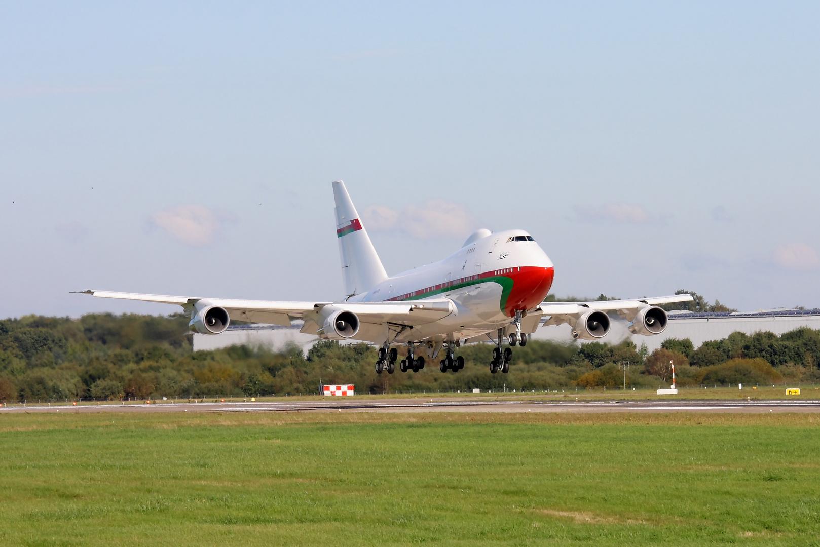 Boeing 747 SP-27