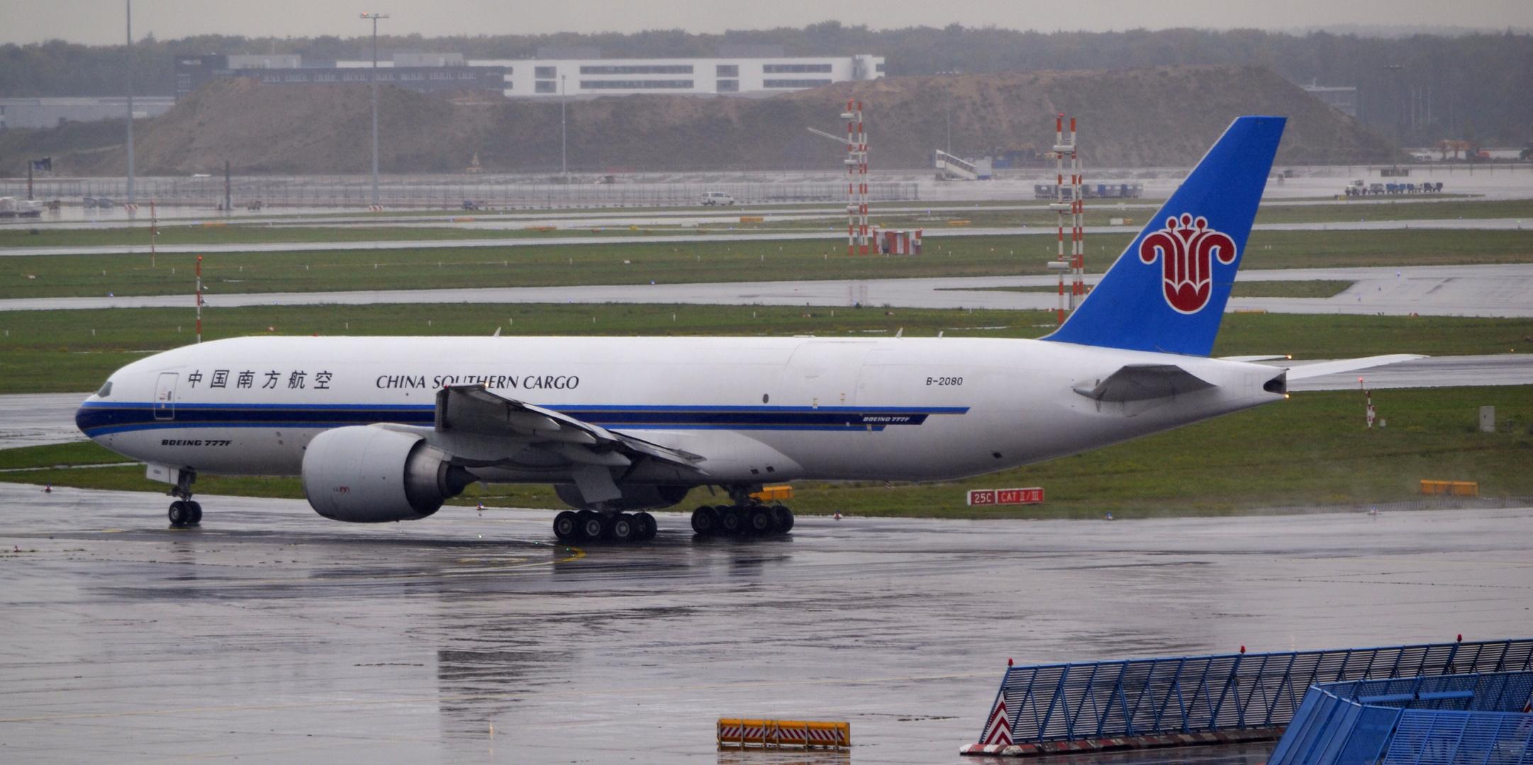 Boeing 777 in Heavy Rain