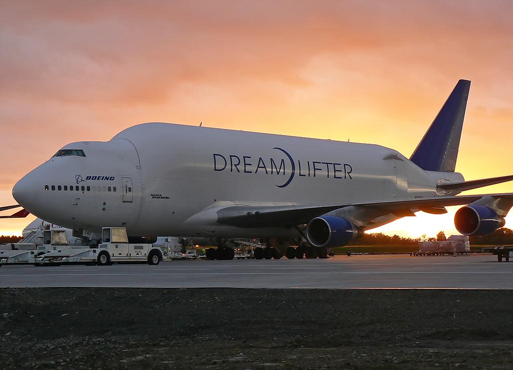 Boeing Company ; Boeing 747-4J6(LCF) ; N747BC #2