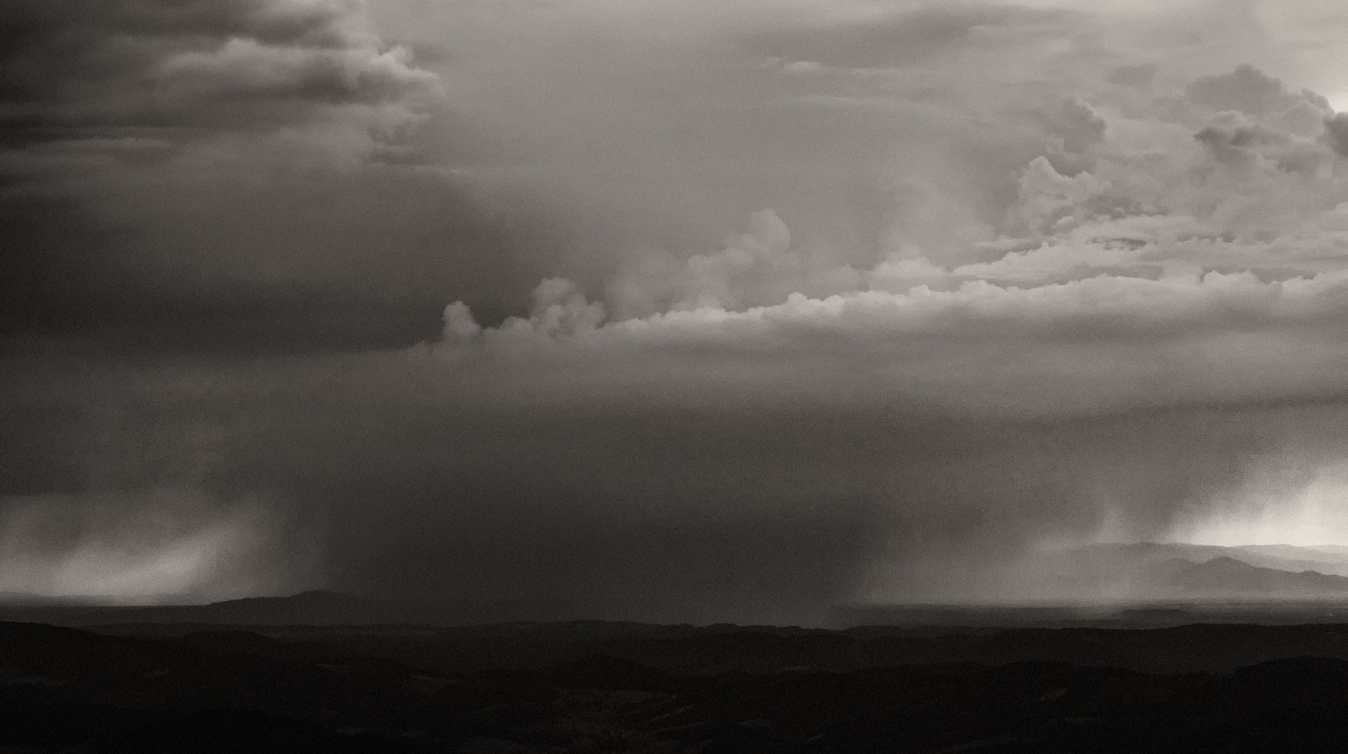 Böses Wetter überm Kaiserstuhl