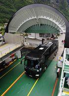 BOHR Reisebus auf der Fähre in Gudvangen