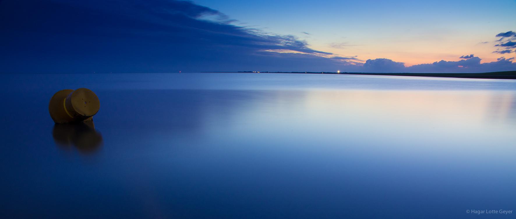 Boje am Strand von Ameland (NL)