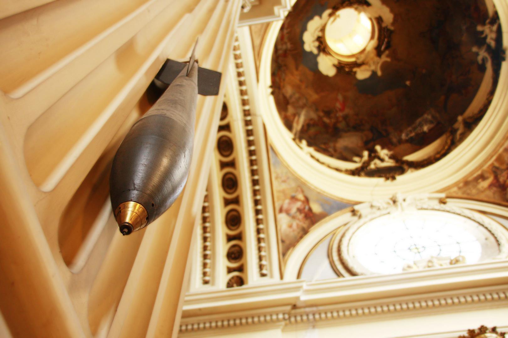 Bombas en la iglesia