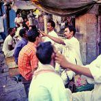 Bombay 1977 - Friseure auf der Straße