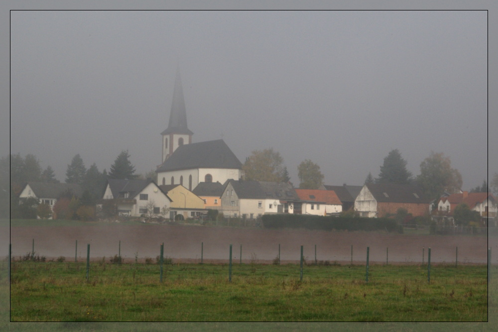 Bombogen im Nebel