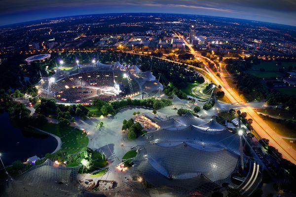 Bon Jovi Konzert im Olympiastadion München vs. Theatron