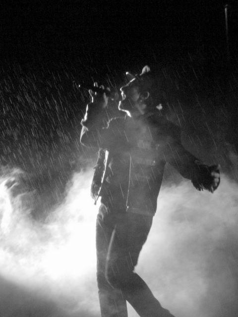 Bono (U2) im Regen