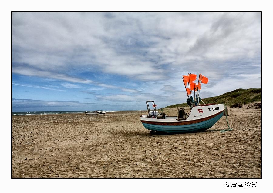Boot am Strand ...