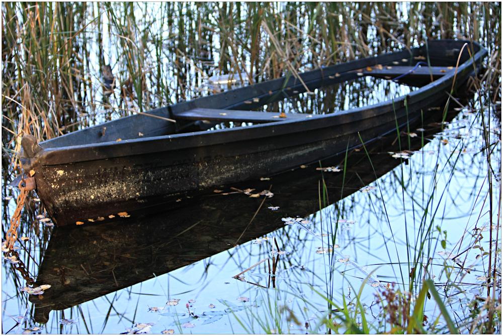 Boot beim ersten Sonnenstrahl