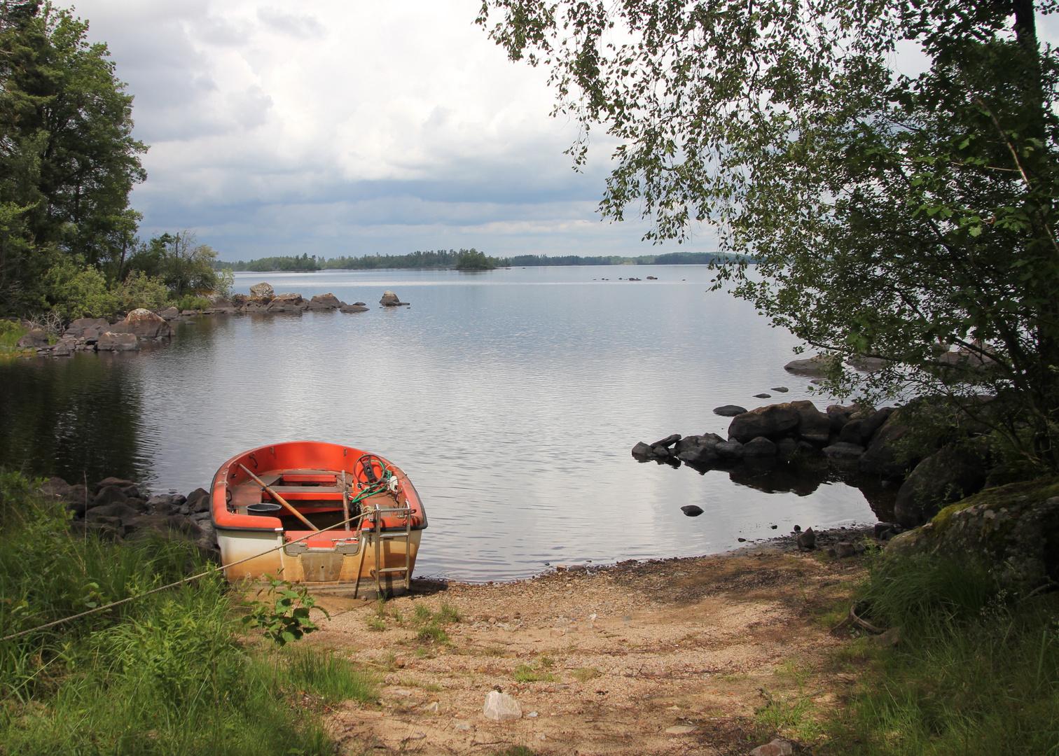 Boot in einsamer Bucht...
