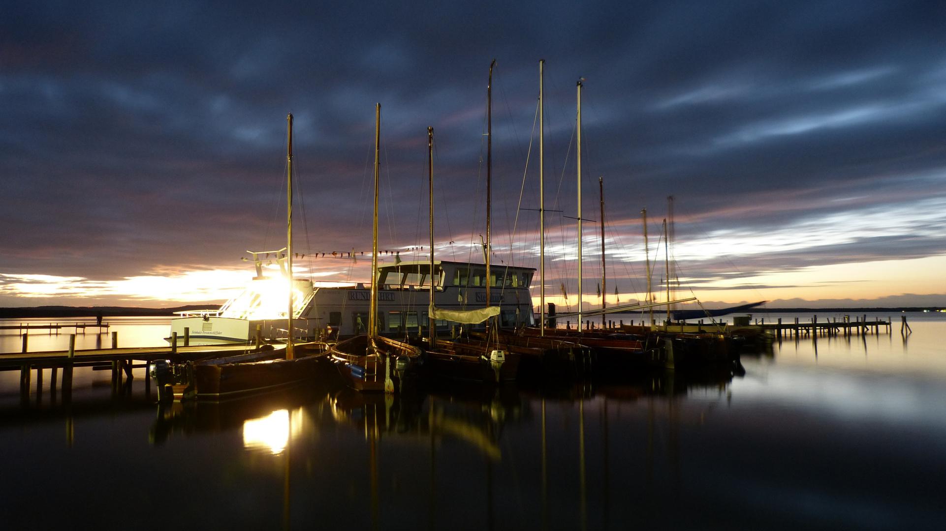 Boot mit Licht an