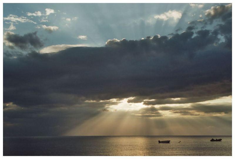 Boote im Sonnenaufgang