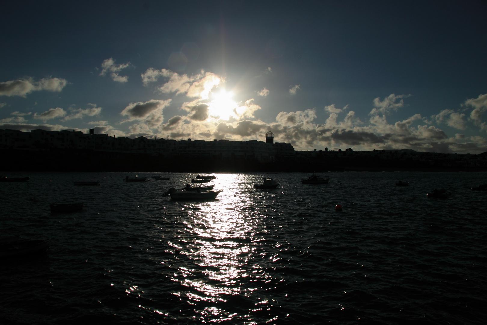 Boote im Sonnenuntergang