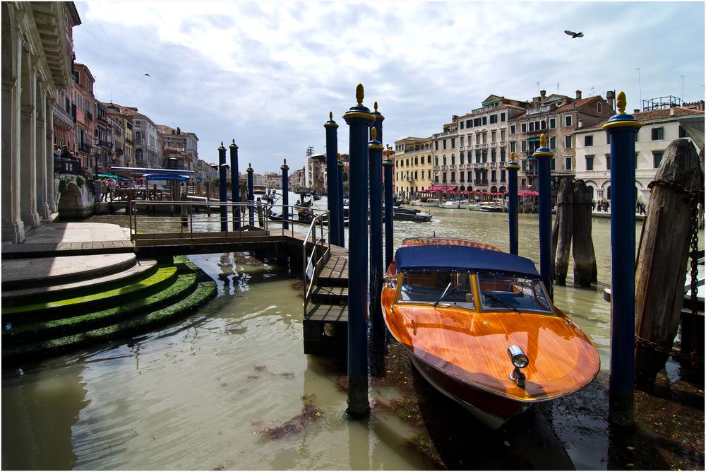 Bootsanleger am Canale Grande